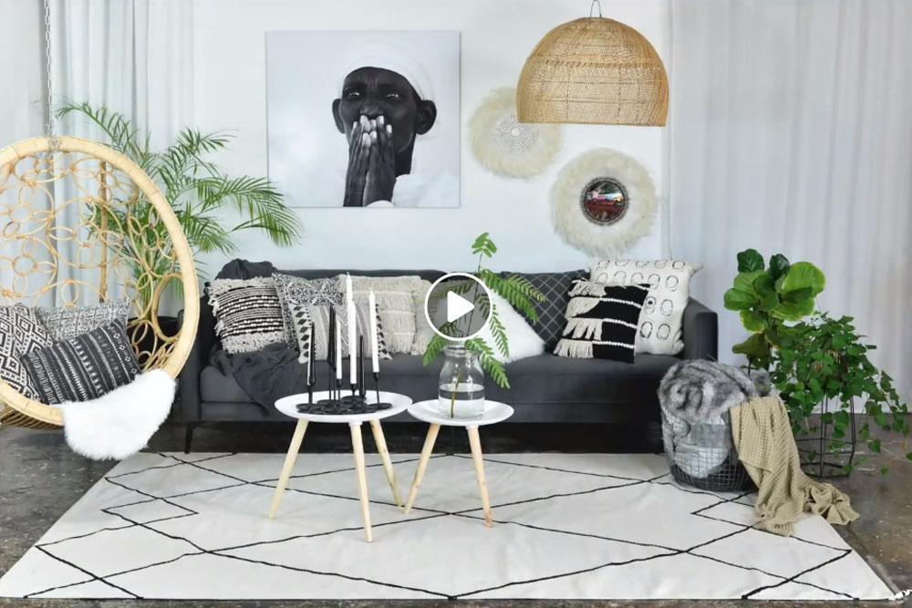 הפקה בגלריה - ספה אחת, שלושה מעצבים