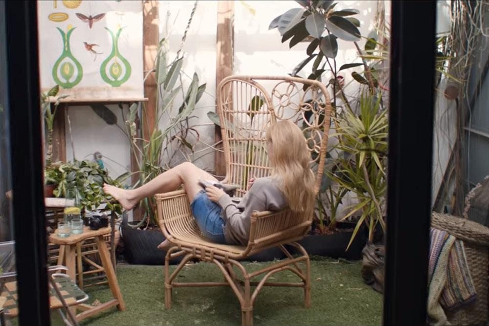 כסא הטווס של מיקלולה בקליפ של עברי לידר
