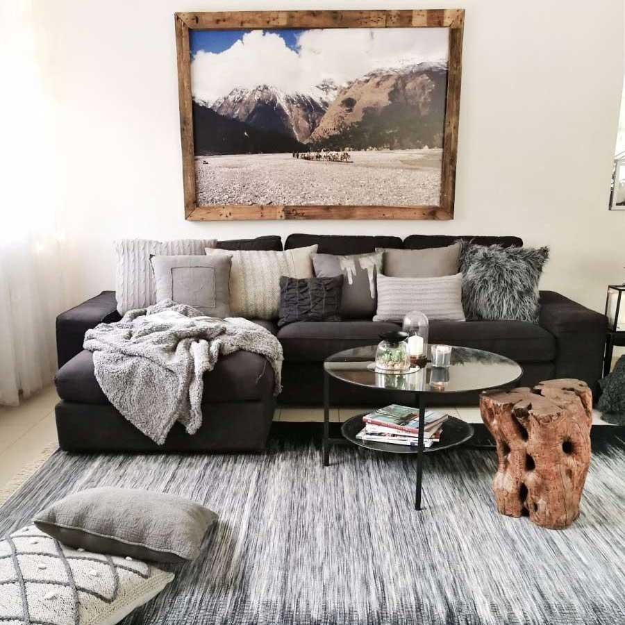 שטיח קילים ארוג צמר: מיקלולה – גלריה לעיצוב חדרים.